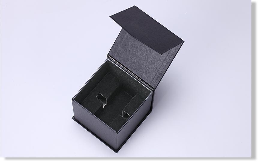 proimages/pd/01Carton/01-11/show/(1)01-11精裝硬殼盒03-show.jpg